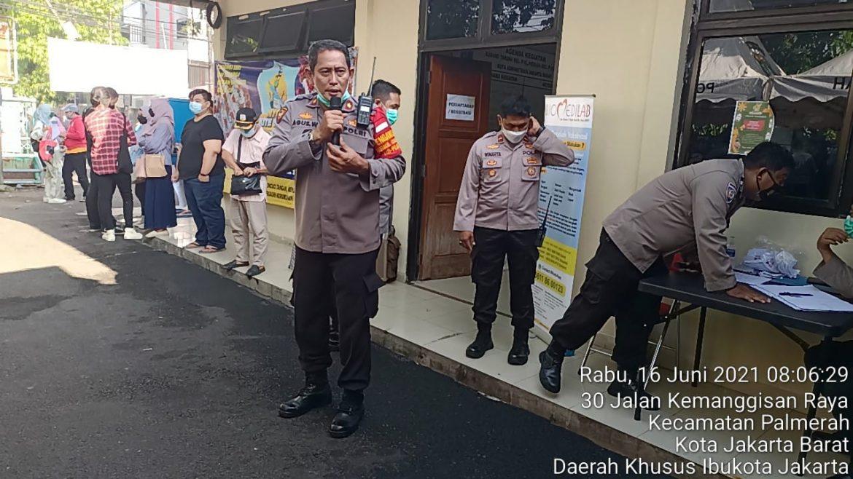 Polsek Palmerah Polres Metro Jakarta Barat Menggelar Vaksin Selama 15 Hari Kedepan Mulai Sabtu 12 Juni Hingga Rabu 30 Juni