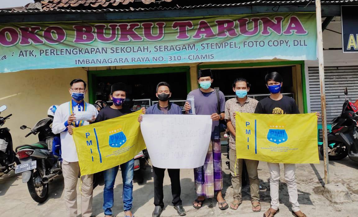 PMII Ciamis Melawan Pandemi Dengan Bagi-Bagi Masker