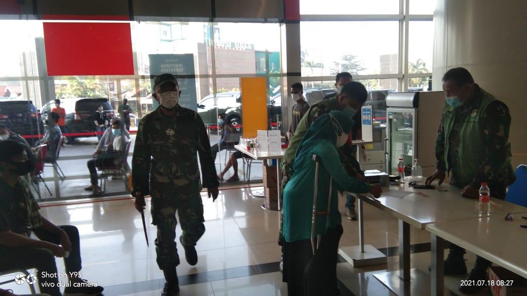 Dandim 0506/Tgr Tinjau serbuan Vaksinisasi di Mall TangCity