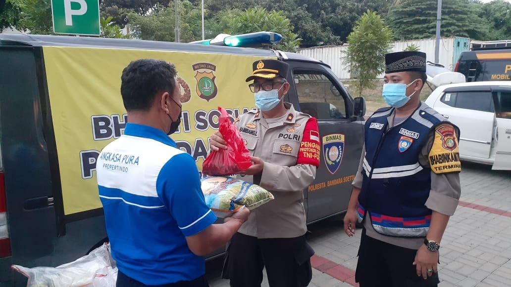Polresta Bandara Soekarno-Hatta Distribusikan Ribuan Daging Kurban Kepada Warga Masyarakat Di Sekitar Bandara Soekarno-Hatta