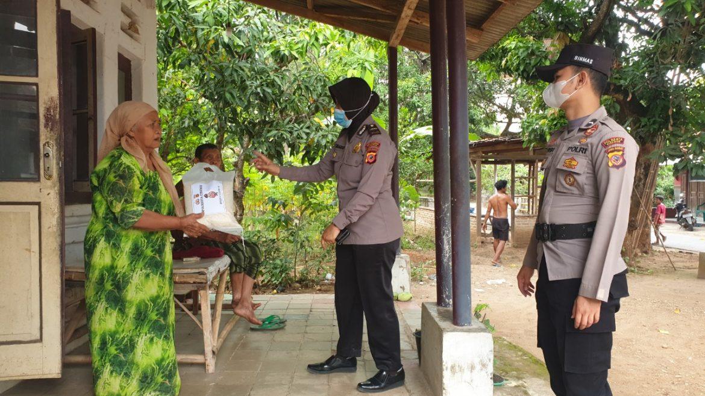 Polresta Cirebon Bagikan Beras