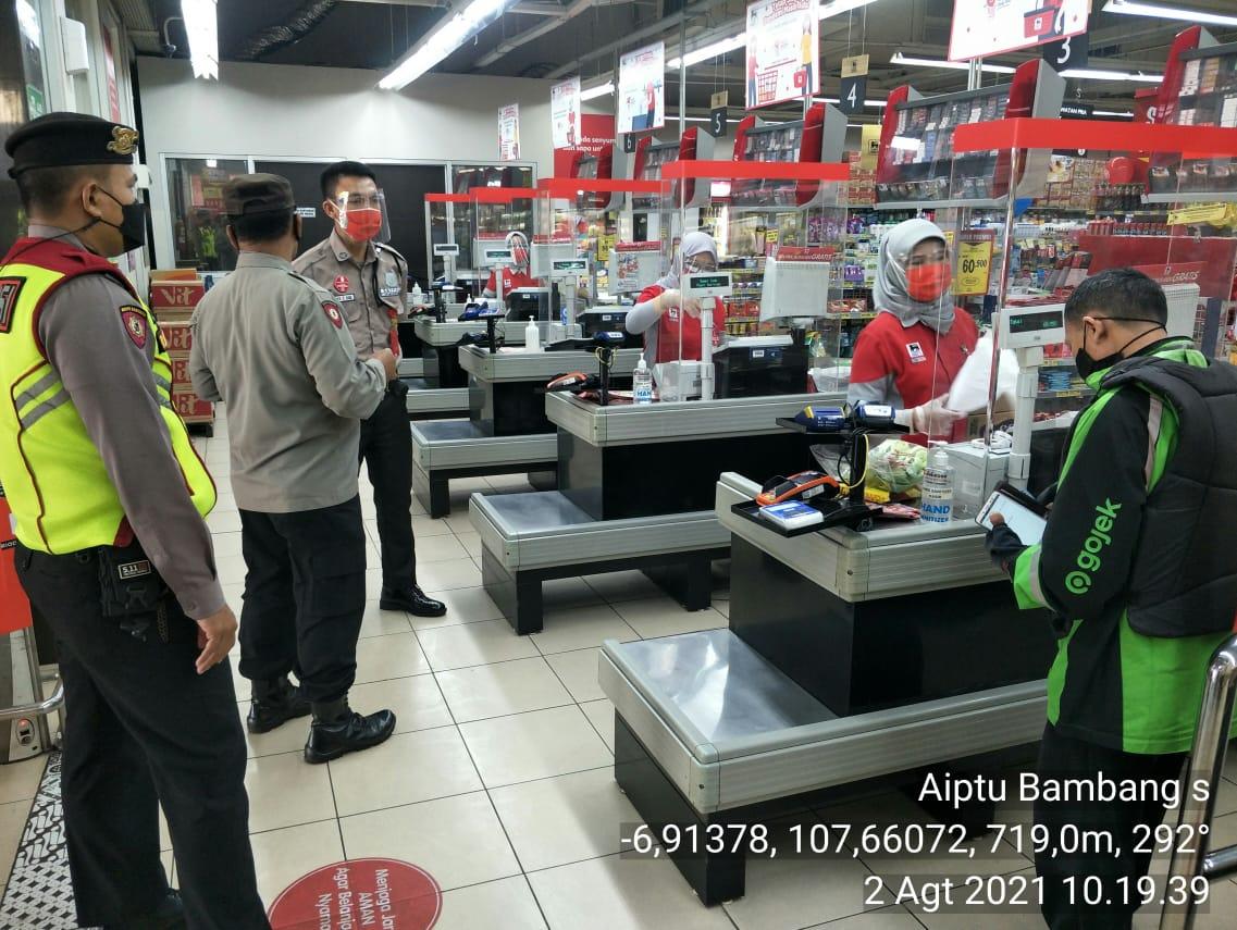 Pengecekan Prokes Di Supermarket Diwilayah Polsek Antapani