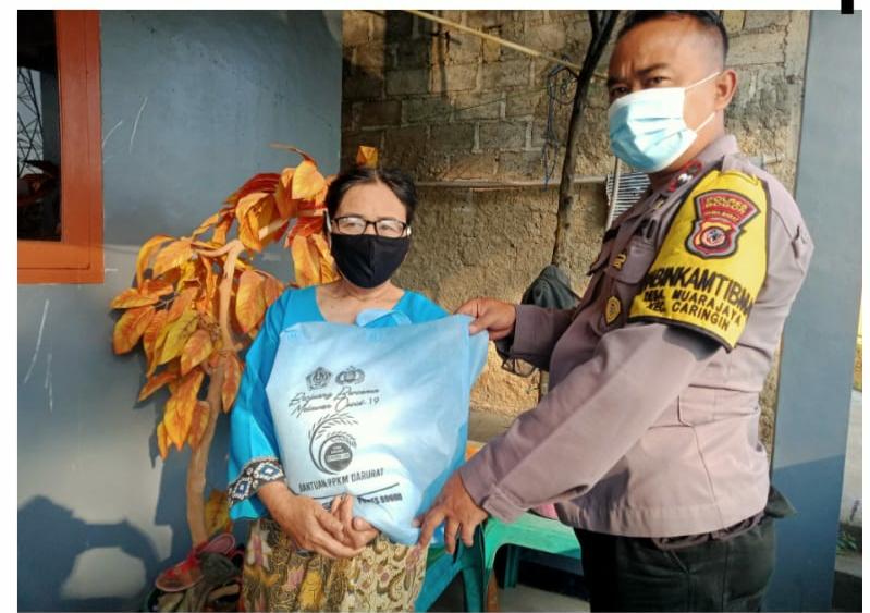 Polres Bogor Bagikan 250 Paket Sembako Kepada Masyarakat Yang Terdampak Covid 19