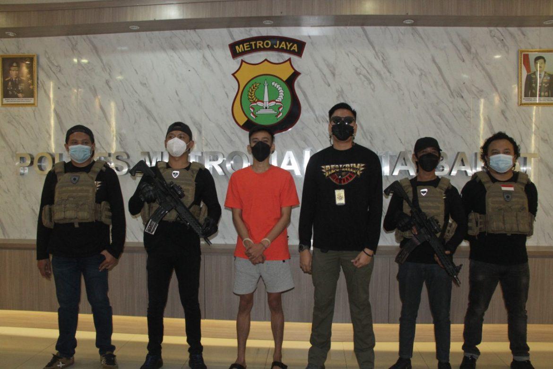 Polres Metro Jakarta Barat Berhasil Mengamankan Pelaku kasus Penipuan Dan Penggelapan Dengan Modus Pencatut Nama Presiden Jokowi