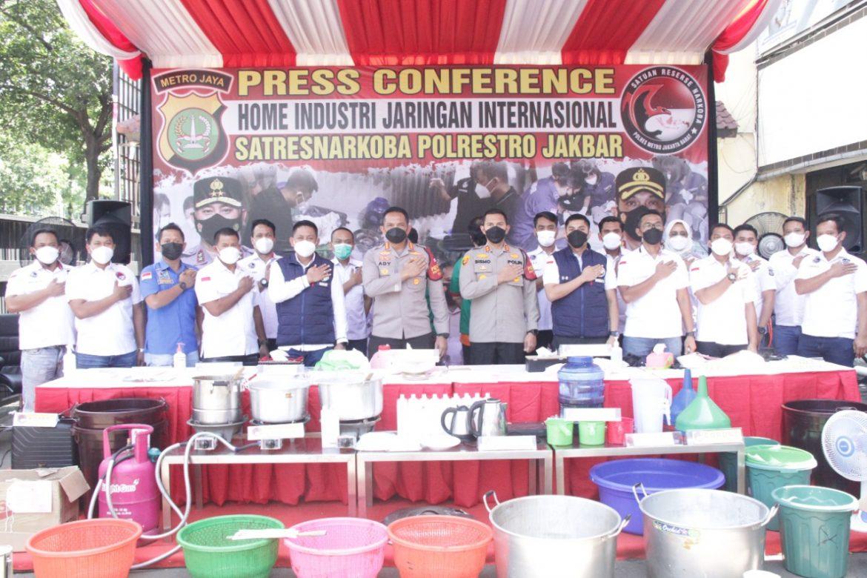 Dua Tersangka WNA Kasus Produksi Narkoba Di Karawaci Tangerang Diringkus Polisi