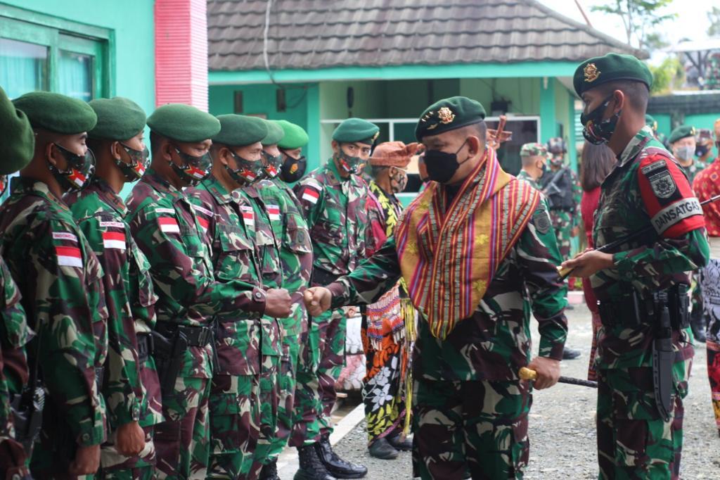 Satgas Pamtas Yonarmed 6/3 kostrad mendapat apresiasi yang setinggi-tingginya dari Pangkostrad.