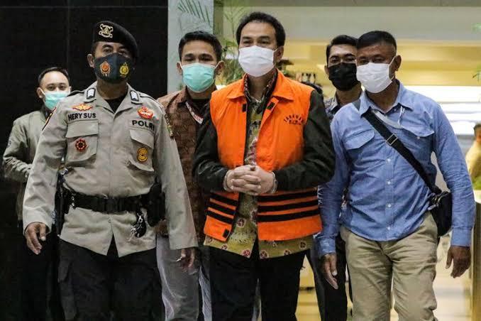 Jadi Tersangka Dugaan TPK, Wakil Ketua DPR RI AZ Dijemput Kemudian Ditahan KPK