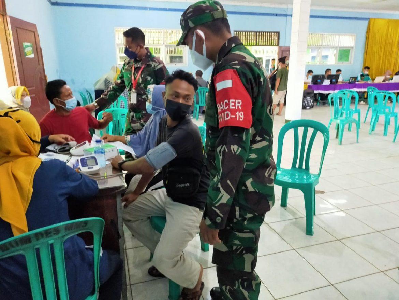Serda Priyo Koramil 0621-05/GP Sebagai Garda Terdepan Monitoring Giat Vaksinasi Sinovac Tahap 1 dan 2 Desa Gunung Putri.
