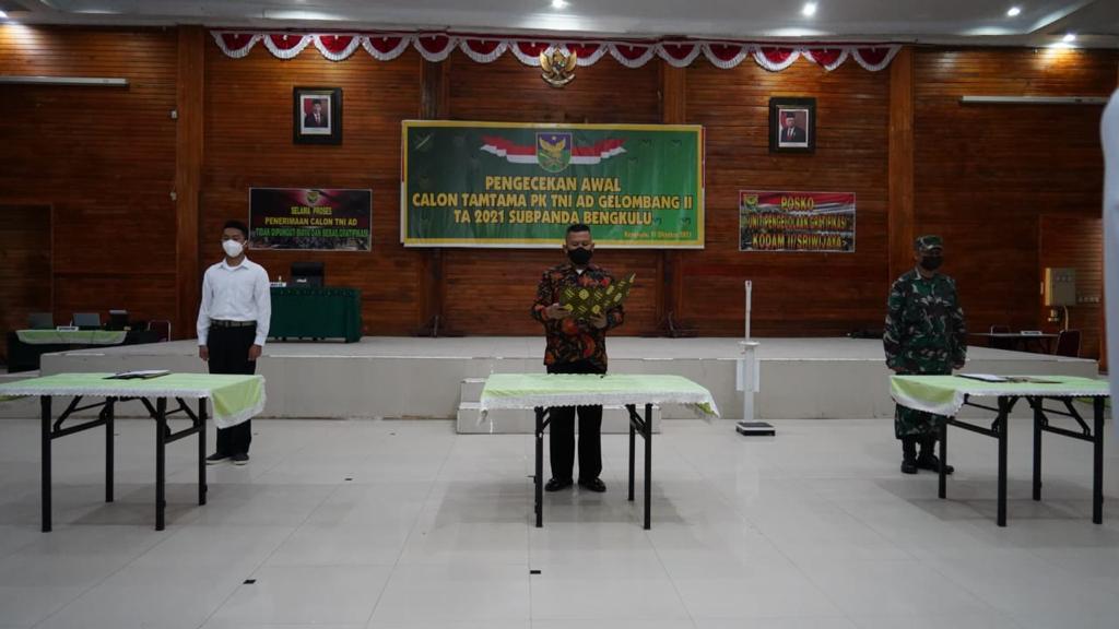 Penandatanganan Pakta Integritas Calon Seleksi Tamtama PK TNI AD Gelombang ll Tingkat Subpanda