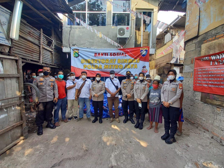 Kawasan Slum Area DKI Jakarta Mendapat Bantuan Sosial dari Kapolda Metrojaya.
