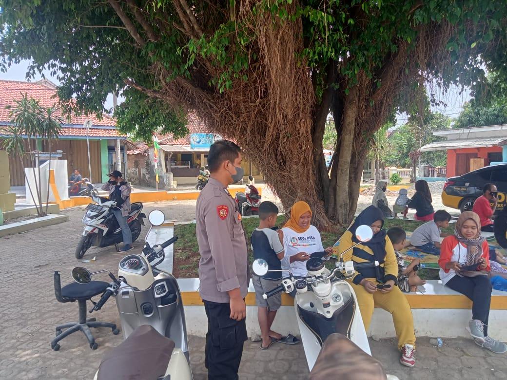 Memutus Penyebaran Covid-19 Polisi Himbau Prokes Dan Bagikan Masker