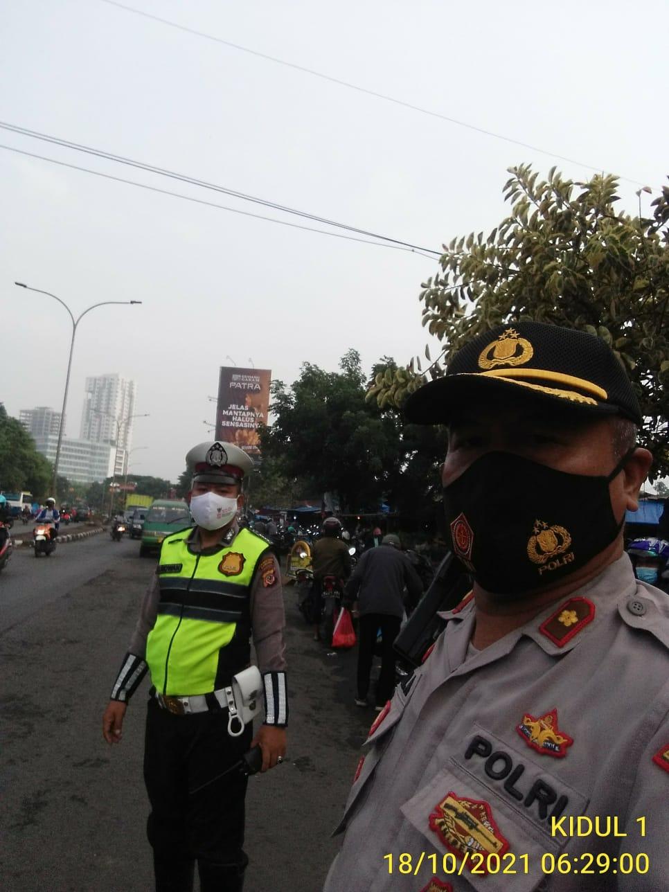 Antisipasi Kemacetan Jajaran Polsek Bandung Kidul Polrestabes Bandung Giat Yanmas Pagi