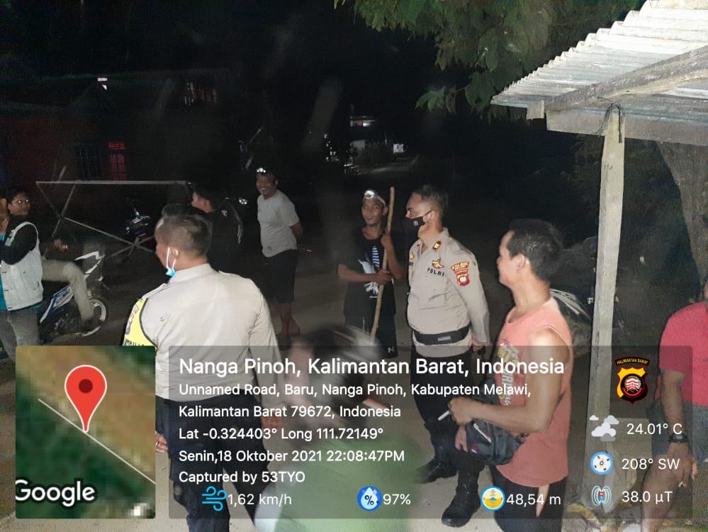 Akibat Adanya Isu yang Beredar di Masyarakat Desa Baru Polsek Nanga Pinoh Laksanakan Patroli Dialogis