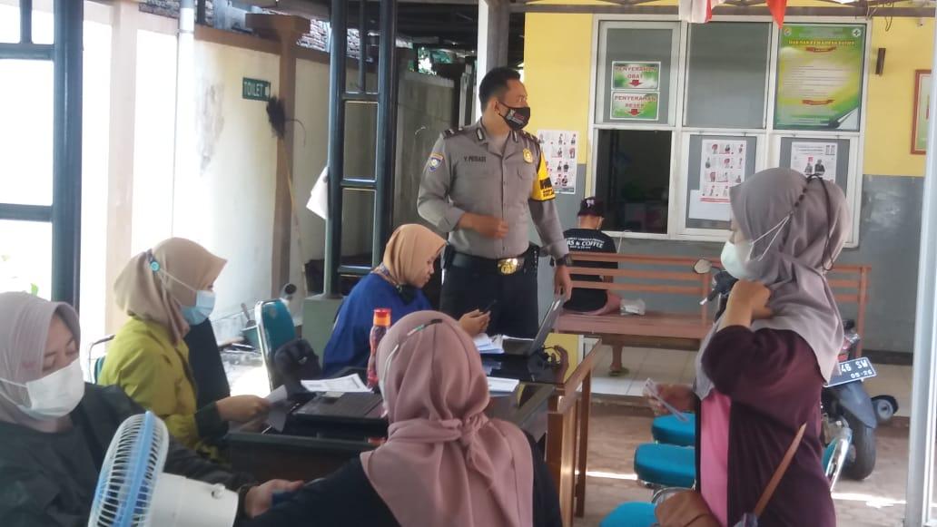 Kapolsek Singorojo Pimpin Pengamanan Vaksinasi Di Wilayah Kecamatan Singorojo