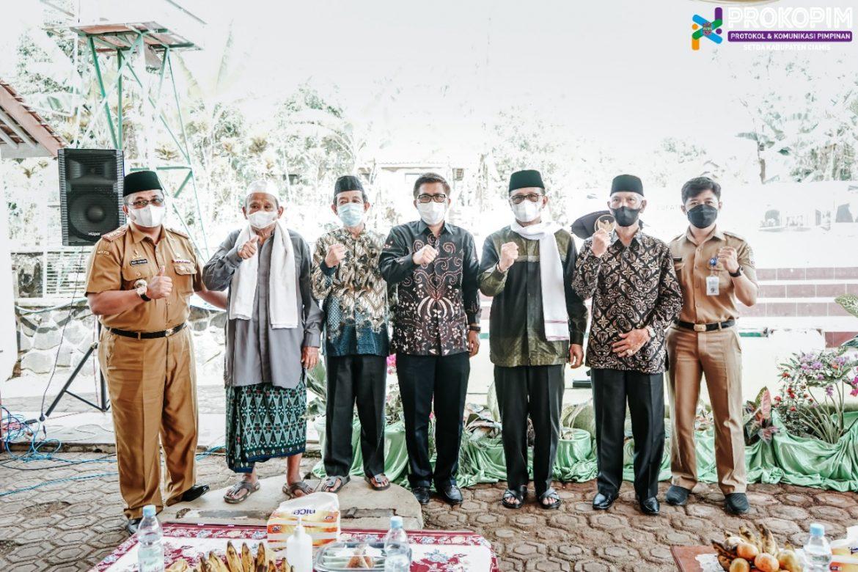 Bupati Ciamis Letakan Batu Pertama Pembangunan Mesjid Asy -Syifa Ranca Petir